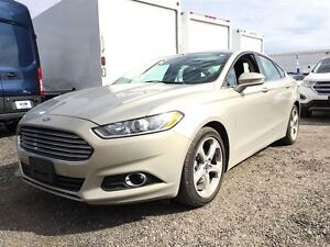 2016 Ford Fusion SE w Sport Appearance Pkg & Moonroof