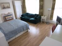 SELECTION OF DOUBLE ROOMS IN HOUSE SHARE INCLUDING BILLS CLOSE TO ARCHWAY - TUFNELL PARK N19