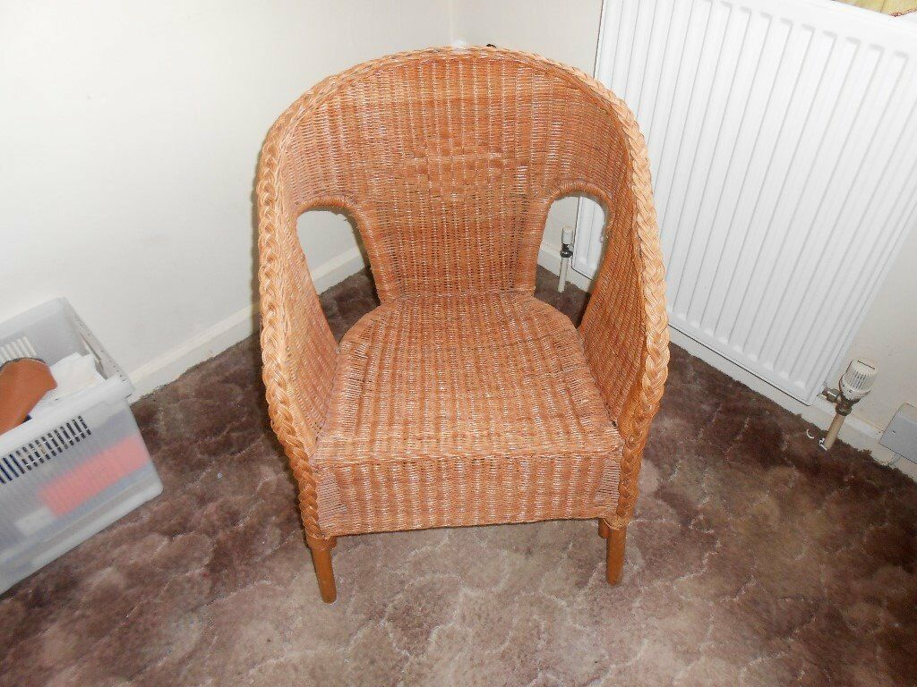 WICKER CHAIRin Clifton, NottinghamshireGumtree - WICKER CHAIR VGC,IDEAL CONSERVATRY ECT.HOUSE CLEARANCE FORCES SALE,BARGAIN £10,COLLECT FROM NG11 CLIFTON,TEL.07961 732363