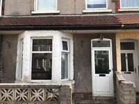 3 Bedroom House To Rent in Birchgrove Near Heath Hospital And Birchgrove School