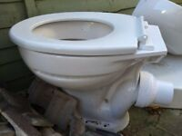 Low Level white loo, loo seat & cistern - great condition