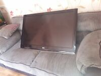 Spares or repairs 42inch lG television