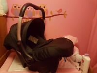 Great condition Silver Cross Car Seat / Carrier