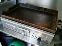 Commercial gas grill / griddle