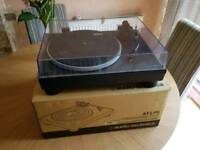 Audio Technica AT-LP5 VINYL PLAYER