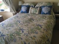 Bedspread and matching pillows