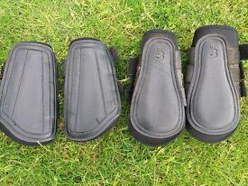 Black Brushing boot full set. Cob size. Size 2 and 3.