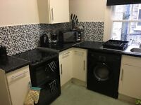 Homeswap: 1 bed flat with extra room. looking for a 2-3 bed flat or house