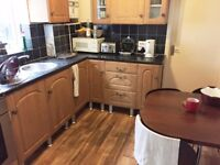 Very Large Double Bedroom in a Clean House share close to Tower Bridge, Elephant & Castle