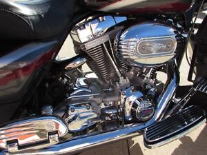 2006 harley-davidson FLHTCUSE4 CVO Ultra Classic Electra Glide   London Ontario image 9