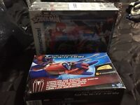 Spider-Man pack of 3 jigsaws aged 8+ and Spider-Man rapid fire web shooter