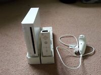 EXCELLENT Nintendo Wii + Accesories + 5 Games, Very Good Condition £50 NO OFFERS