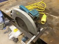 Makita SR2600 circular saw
