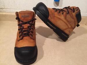 Men's Dakota Waterproof Steel Toe Work Boots Size 9.5 EEE