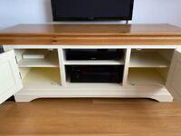 Solid oak TV stand - bargain!