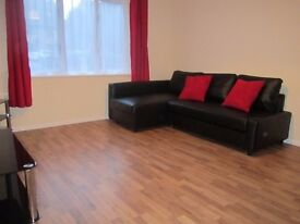 lovely 2 double bedroom flat - close to Calidonian Rd St - NO Agents, DSS, Students, pets or smoking