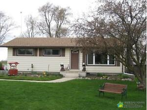 $364,900 - Bungalow for sale in Lucan
