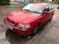 VOLVO V40 ESTATE 1.8 PETROL MANUAL RED ALLOYS SPACIOUS BIG BOOT DRIVES MOT NOT S40 PASSAT MONDEO