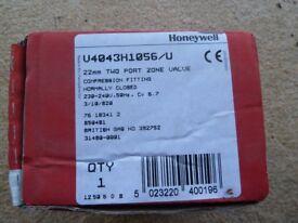Honeywell 22mm two port zone valve V4043 (new in box)