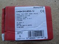Honeywell 22mm two port zone valve V4043 (new in box)
