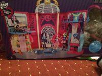 Brand new Bratz dolls house