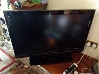 LG LCD 42'' TV + DVD/VIDEO SYSTEM IN VERY GOOD CONDITION + FREEVIEW
