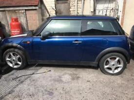 Mini one cooper breaking for spares 1.6 petrol blue 02 03 04 05