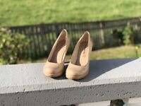 Schuhe, Pumps, Gr. 39, einmal getragen, Tamaris, Damenschuh Nordrhein-Westfalen - Königswinter Vorschau