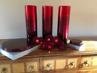 Deep Red Set of 3 Vases and accessories