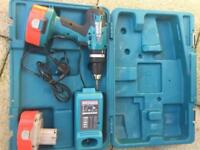 18v Makita Drill Driver with 2 batteries