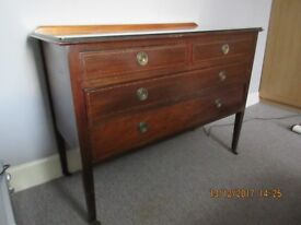 Set of Drawers with Glass Top