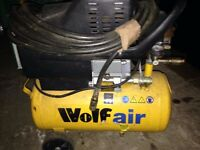 Wolf Air mini compressor on wheels includes airline 240v