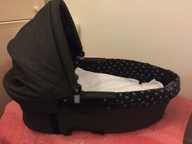 Quinny/Maxi Cosy Carrycot for Sale