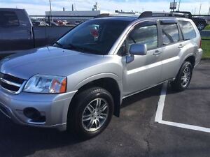 2008 Mitsubishi Endeavor Limited  Very Clean Unit with Factory W