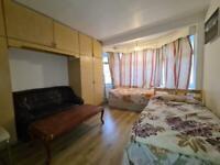 1 bedroom in Ballogie Avenue, Neasden NW10