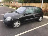 Rare clio 1.2 with sunroof and climate control .not corsa