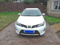 White 2013 Toyota Auris 1.6 v_matic 6 speed manual
