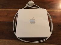 Apple AirPort Time Capsule 802.11n (4th Generation) - Wifi router with 2 TB hard disk