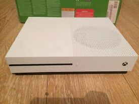 Xbox one s - 1TB - 5 games £200