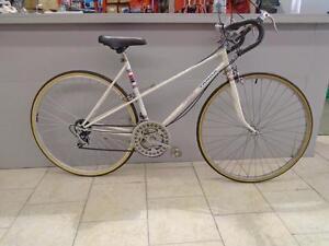 """Vélo de route CCM 20"""" - 0214-5"""