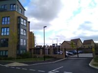 Spacious 2 Bed Apartment / Flat in Oakgrove with Large Balcony with Parking, short walk to Waitrose