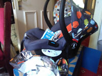 Cosatto hold BRAND NEW infant car seat