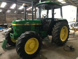 JOHN DEERE 2140 Tractor 4WD