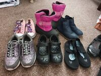 Bundle shoes girl, size 10, 11 and 12, snow shoes