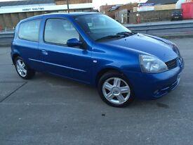 For quick sale 2007 Renault Clio 3 door