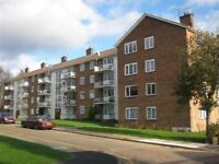 A SPACIOUS TWO BEDROOM APARTMENT WITH BALCONY CLOSE TO SHOPPING & TRANSPORT IN NORTH FINCHLEY
