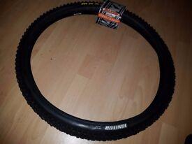 Maxxis Ignitor 26 x 2.1 MTB bike tyre - brand new.