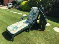 2 garden steamer chairs with cushions