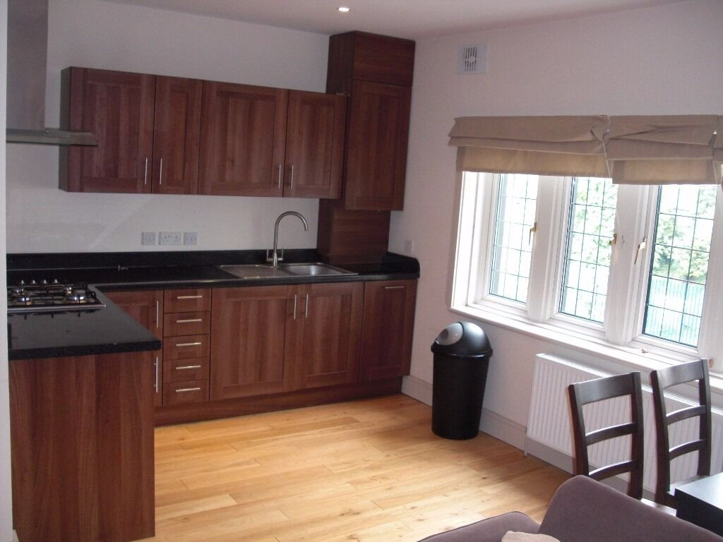3 lovely 3 beds to chose from- Brixton