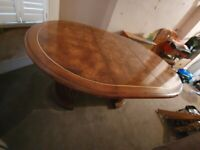 YEW BURR/WALNUT EXTENDABLE DINING TABLE FROM HARRODS